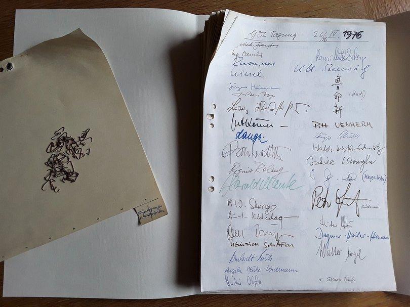 1976_Tagung_Unterschriften.jpg